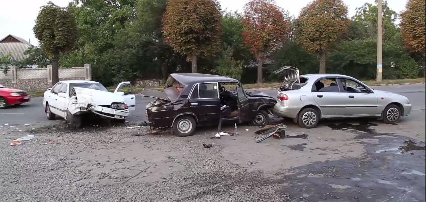 У Білій Церкві зіткнулися відразу три авто, є постраждалі
