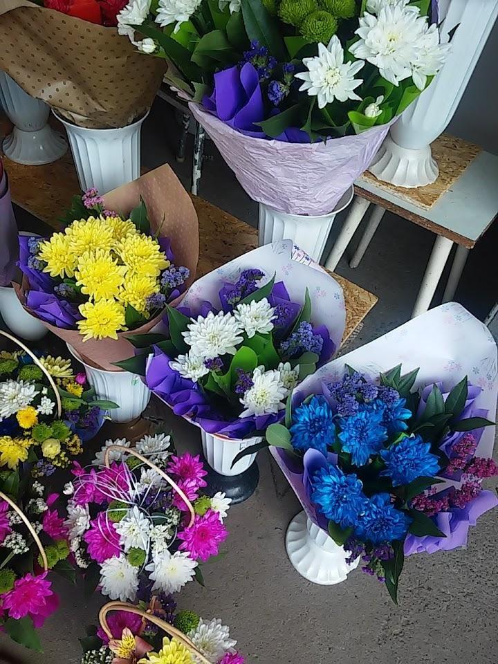 Букет на 1 вересня: де і за скільки купити квіти у Білій Церкві