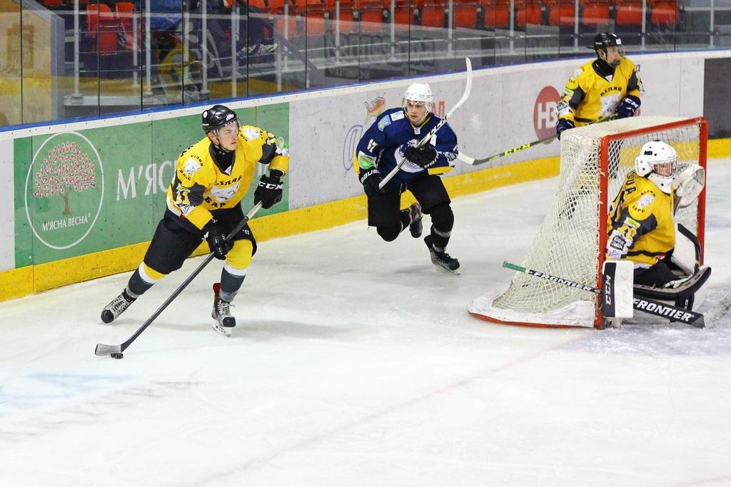 «Білий Барс» розгромив «Вовків» та здобув четверту поспіль перемогу на старті сезону