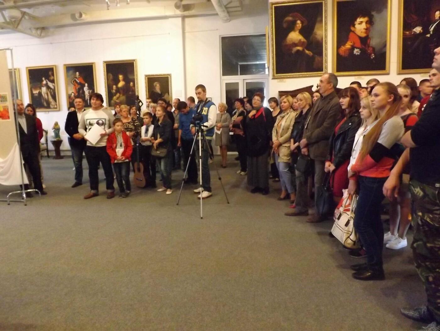 У Білоцерківському краєзнавчому музеї відкрилася виставка живопису «Сонце осені»