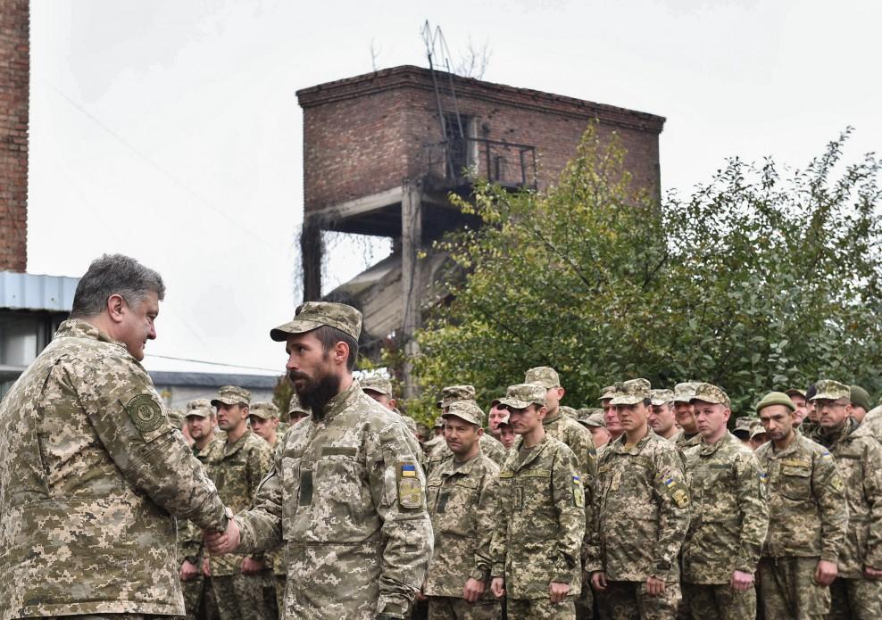 Петро Порошенко вручив нагороди військовослужбовцям 72-ої бригади