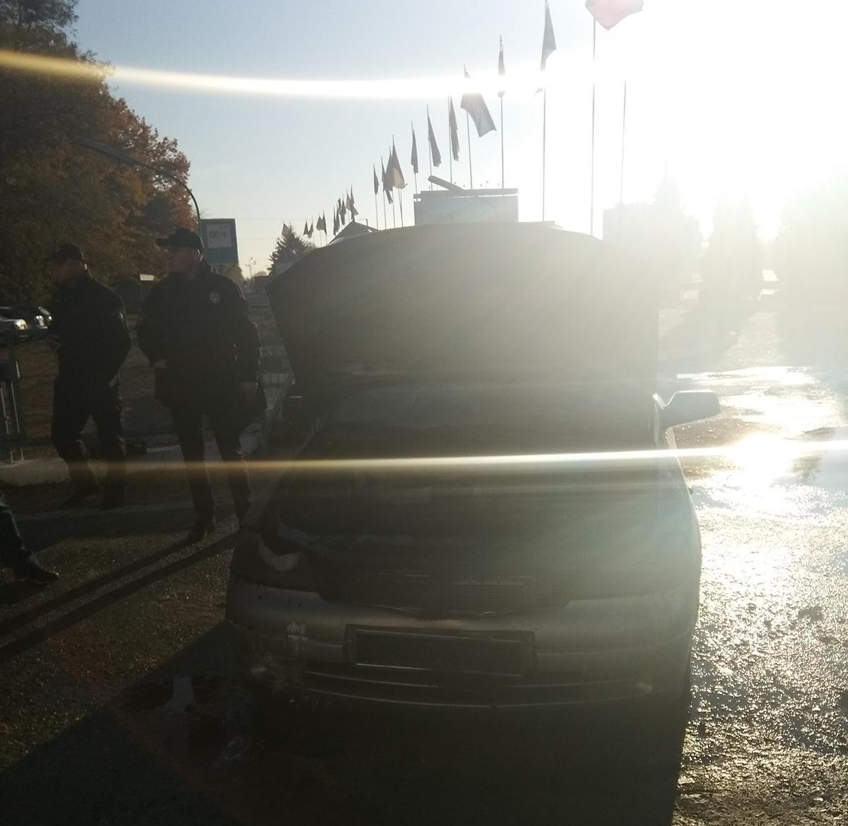 У Білій Церкві по вулиці Леваневського горів автомобіль, фото-1