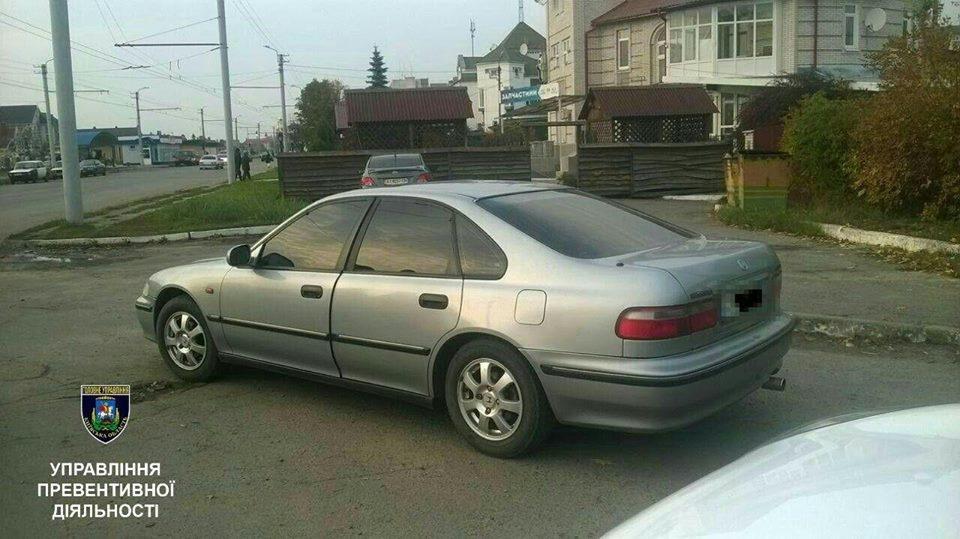 Білоцерківські поліцейські затримали жінку, яка їздила з підробленим посвідченням водія