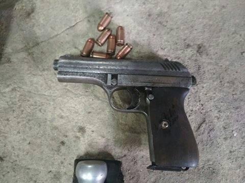 """Білоцерківські поліцейські затримали """"чорного археолога"""" зі зброєю і наркотиками"""
