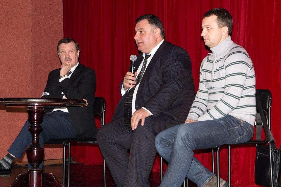 Народні депутати хочуть присвоїти театру ім. Саксаганського статус національного