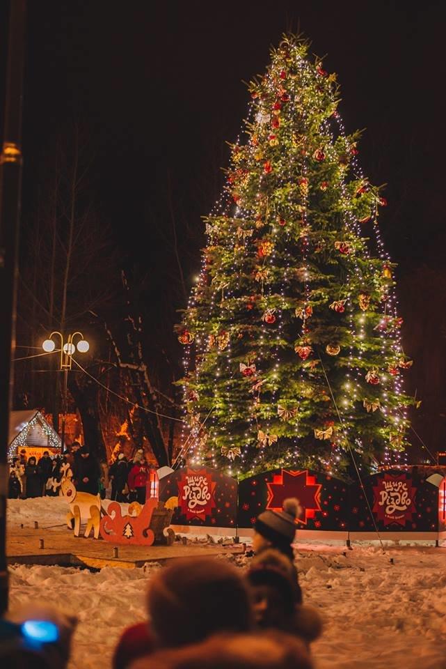 У Білій Церкві засяяла головна новорічна ялинка, фото-4