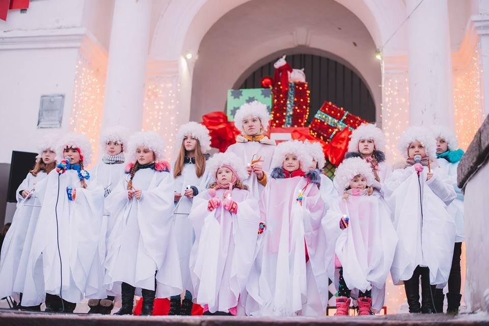 У Білій Церкві засяяла головна новорічна ялинка, фото-10