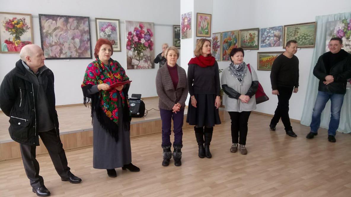 У Білій Церкві відкрилась виставка живопису «Зимовий вальс квітів»