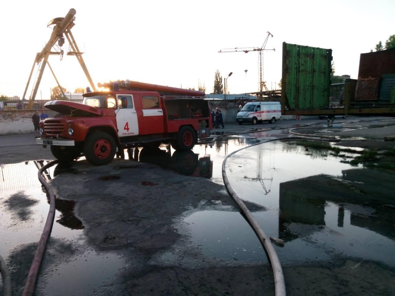 Пожежа в складських приміщеннях на масиві Леваневського