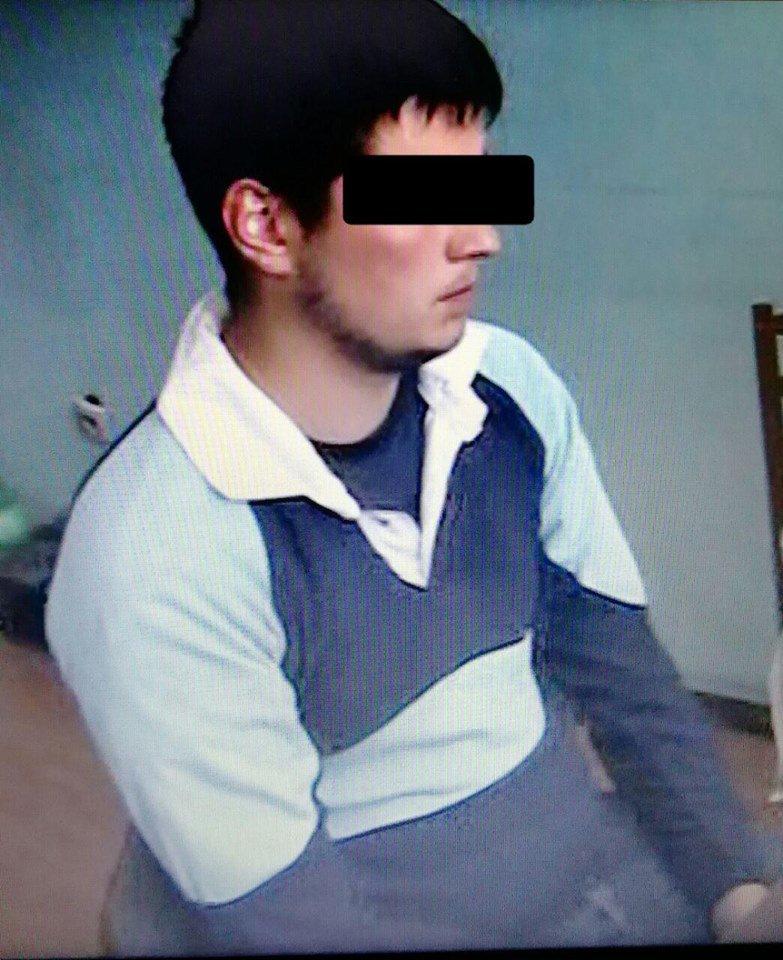 Правоохоронці затримали двох грабіжників, які зривали у жінок золоті ланцюжки