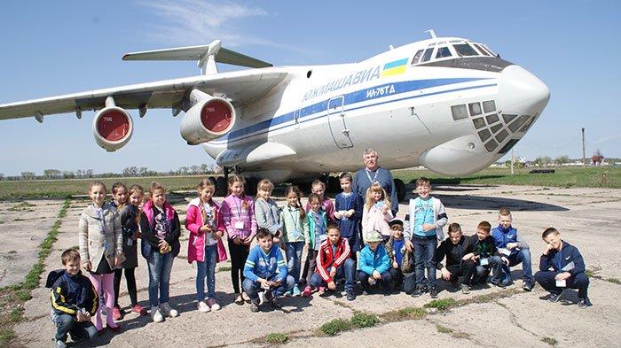 Білоцерківський вантажний авіаційний комплекс відновив екскурсії для дітей