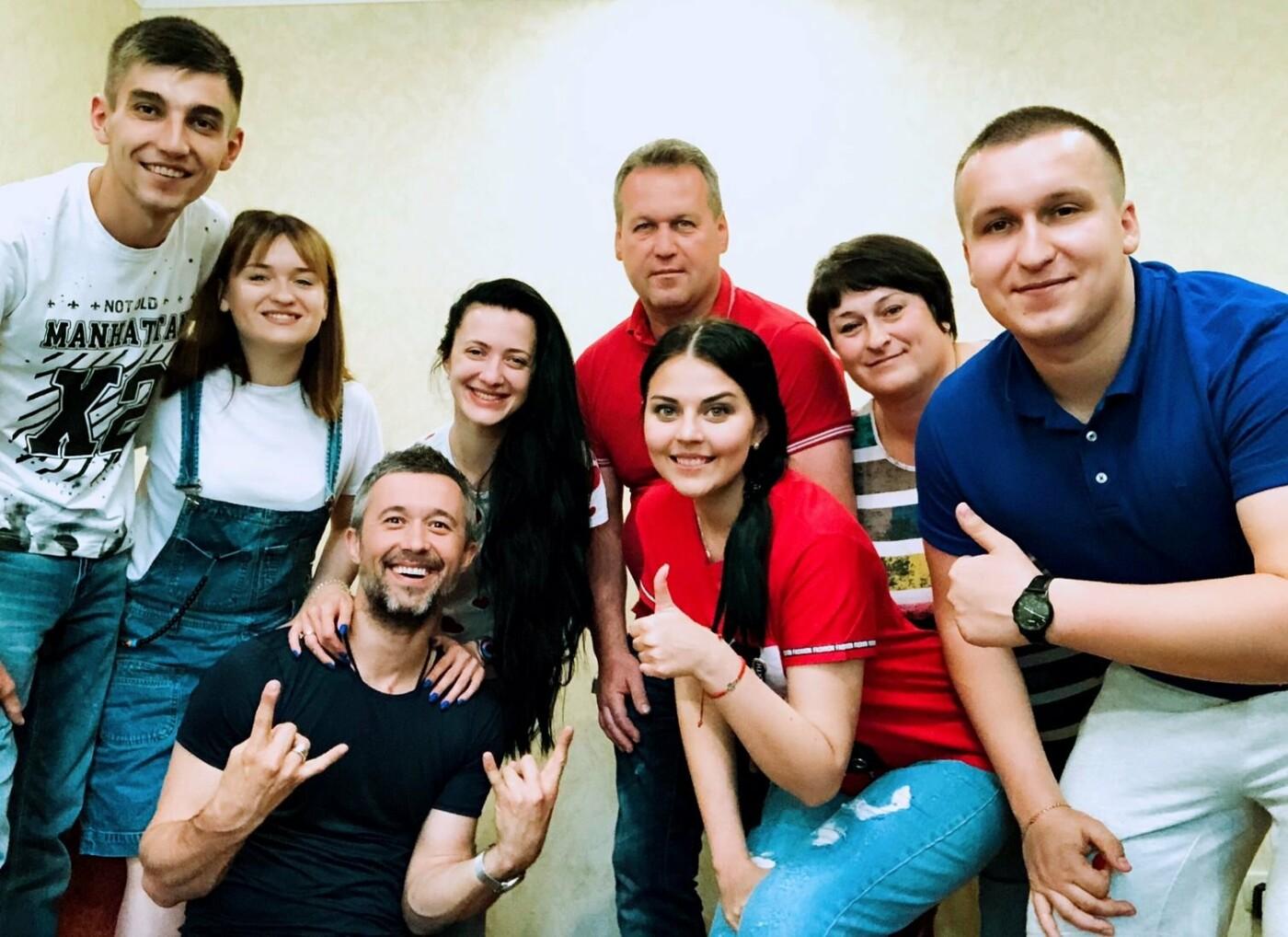 Сергій Бабкін завітав у гості до переможниці Голосу країни-8 Олени Луценко, фото-1