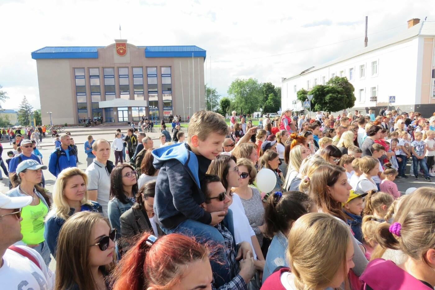 У Білій Церкві яскраво відзначили День молоді та День йоги, фото-5
