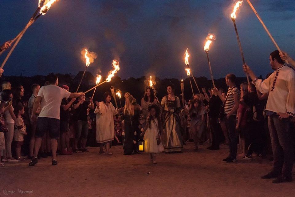 Запалення купальського вогню та плетіння вінків. Як у Білій Церкві святкували Івана Купала