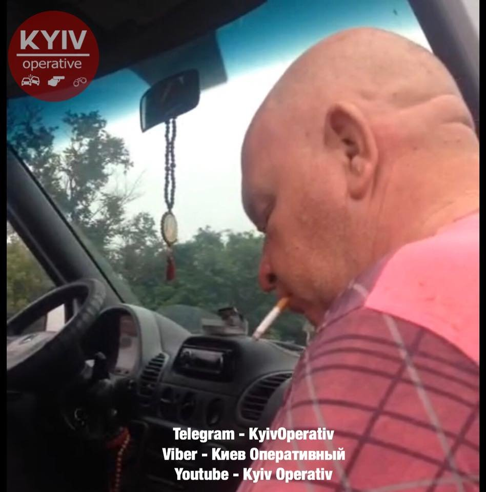 На трасі поліцейські зупинили п'яного водія маршрутки Біла Церква-Київ, фото-3
