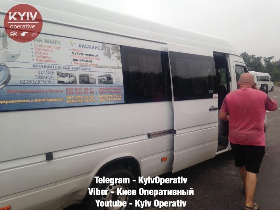 На трасі поліцейські зупинили п'яного водія маршрутки Біла Церква-Київ, фото-5