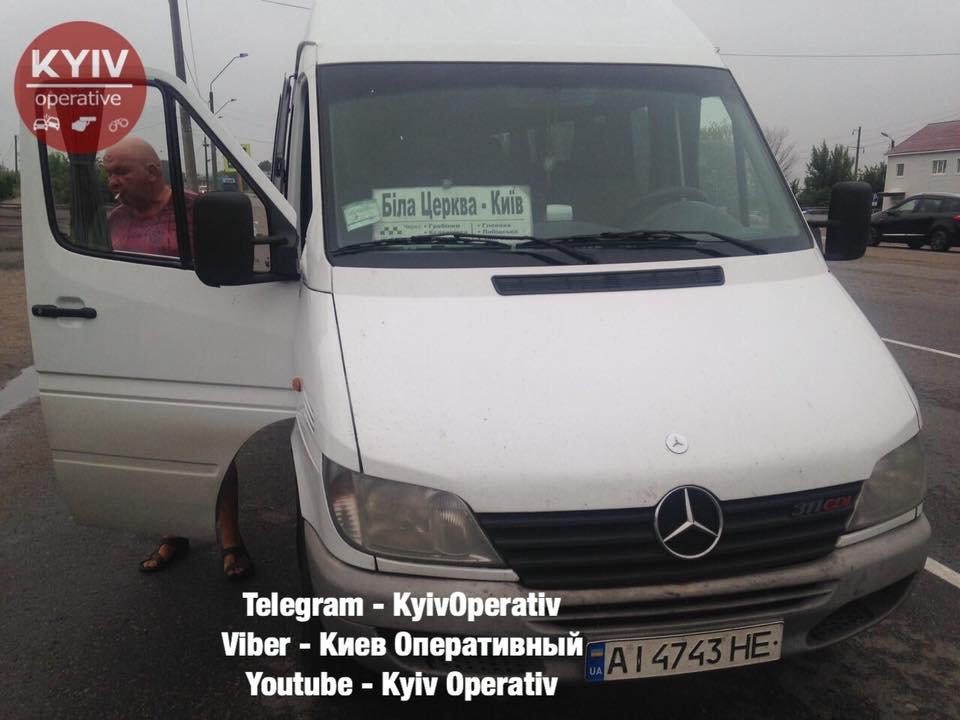 На трасі поліцейські зупинили п'яного водія маршрутки Біла Церква-Київ, фото-1