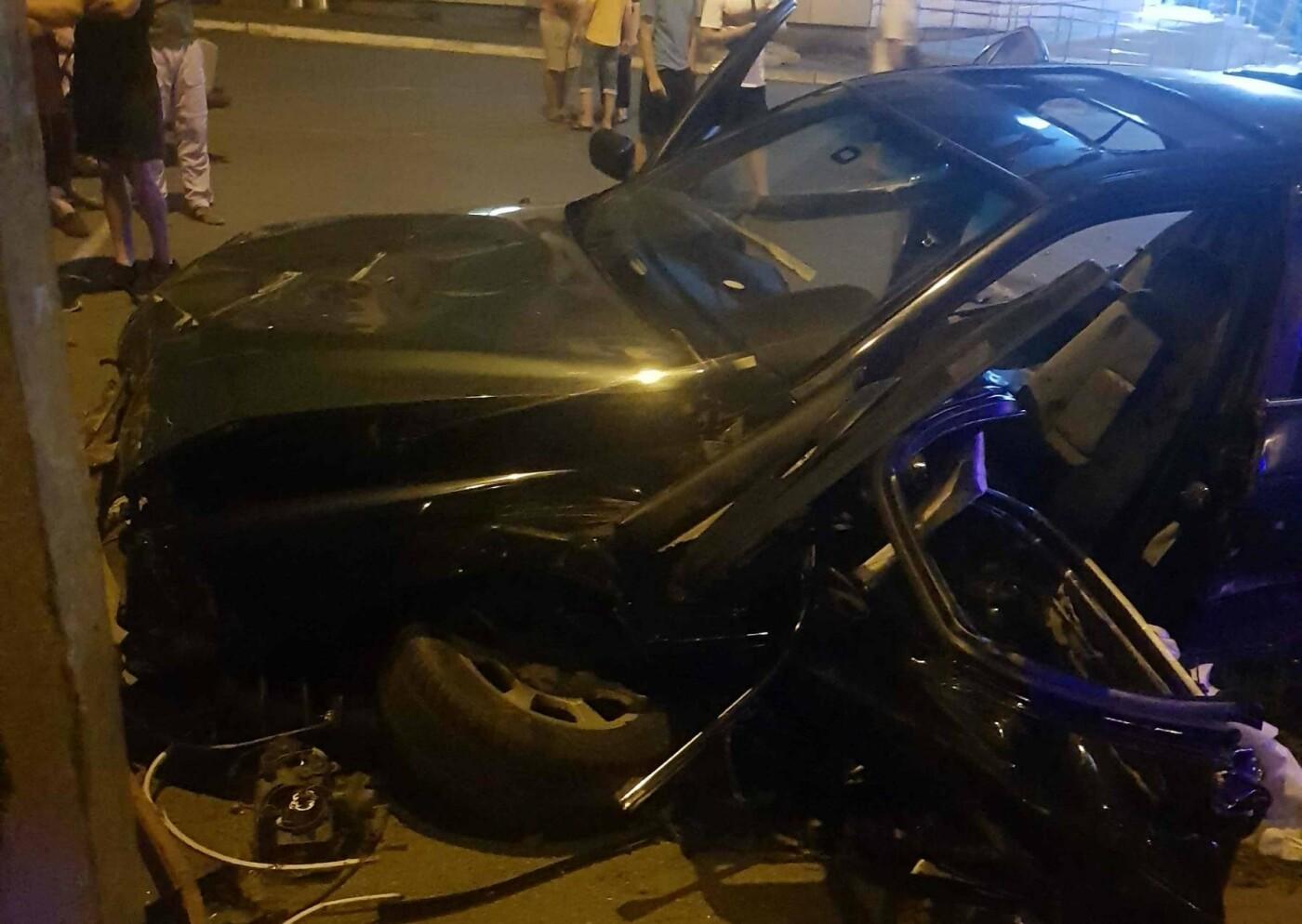 У Білій Церкві BMW влетіло у відбійник, водій – у лікарні , фото-1