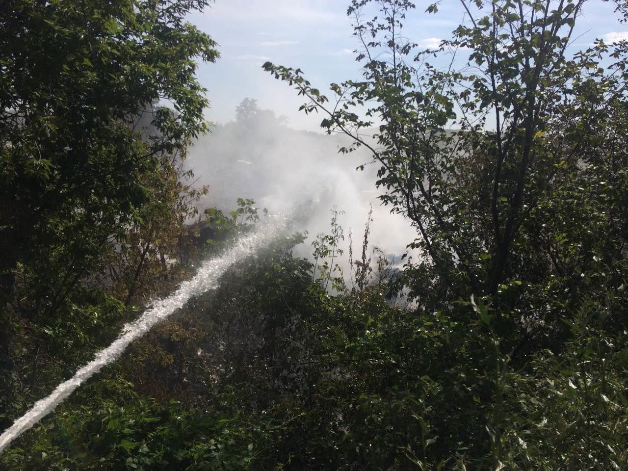 На Залізничному селищі сталася маштабна пожежа, фото-1