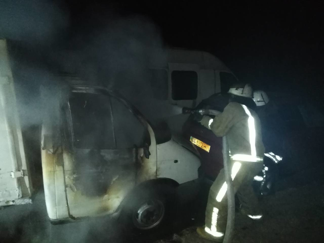 Вночі на вихідних у Білій Церкві горів вантажний автомобіль, фото-1
