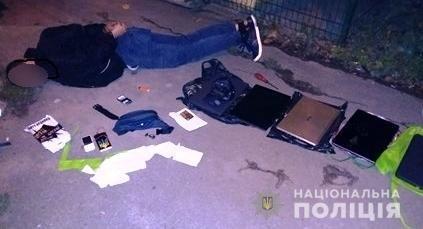 """У Білій Церкві """"на гарячому"""" затримали крадіїв оргтехніки, фото-2"""