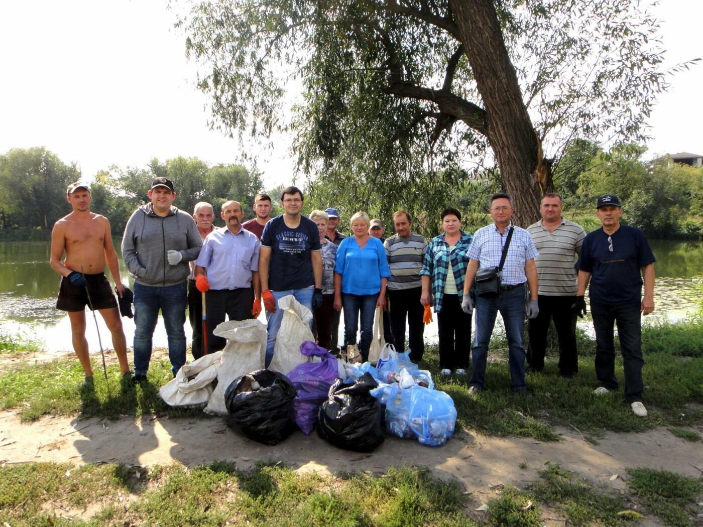 До Дня чистих берегів білоцерківці прибрали беріг річки Рось, фото-3
