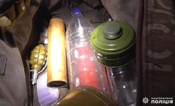 На Білоцерківщині у 31-річного чоловіка вилучили арсенал зброї і наркотики, фото-6