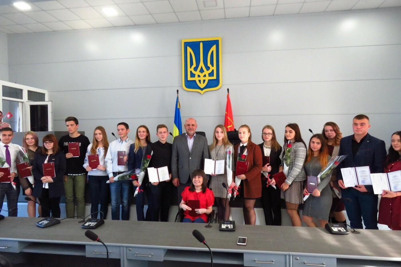 21 студент Білої Церкви отримав стипендію міського голови, фото-8