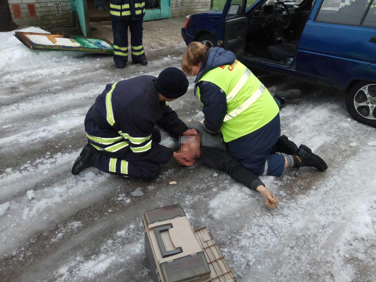 У Білій Церкві чоловік задихнувся чадним газом в автомобілі, фото-1