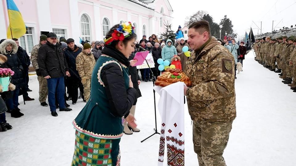 У Білій Церкві зустрічають військовослужбовців 72 ОМБр ім. Чорних Запорожців, фото-4