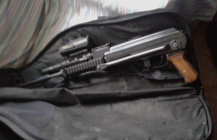 СБУ затримала жителя Білої Церкви, який продавав військові боєприпаси та зброю , фото-1