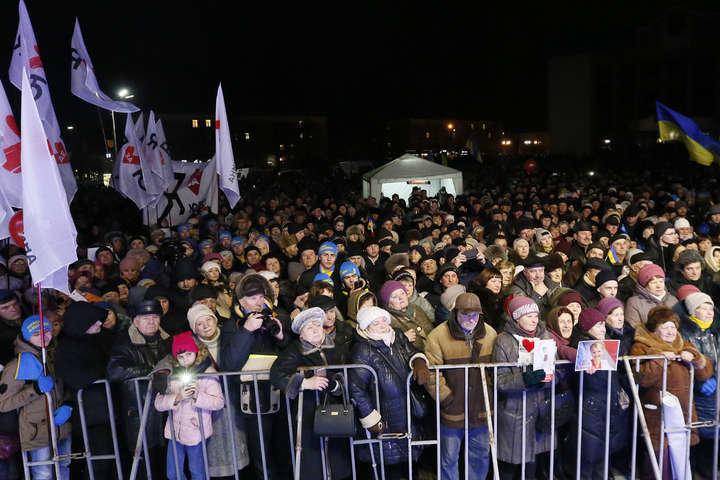 """""""Замінування"""" та кидання шашок у натовп: як у Білій Церкві намагалися зірвати зустріч Тимошенко із вибоцями, фото-4"""