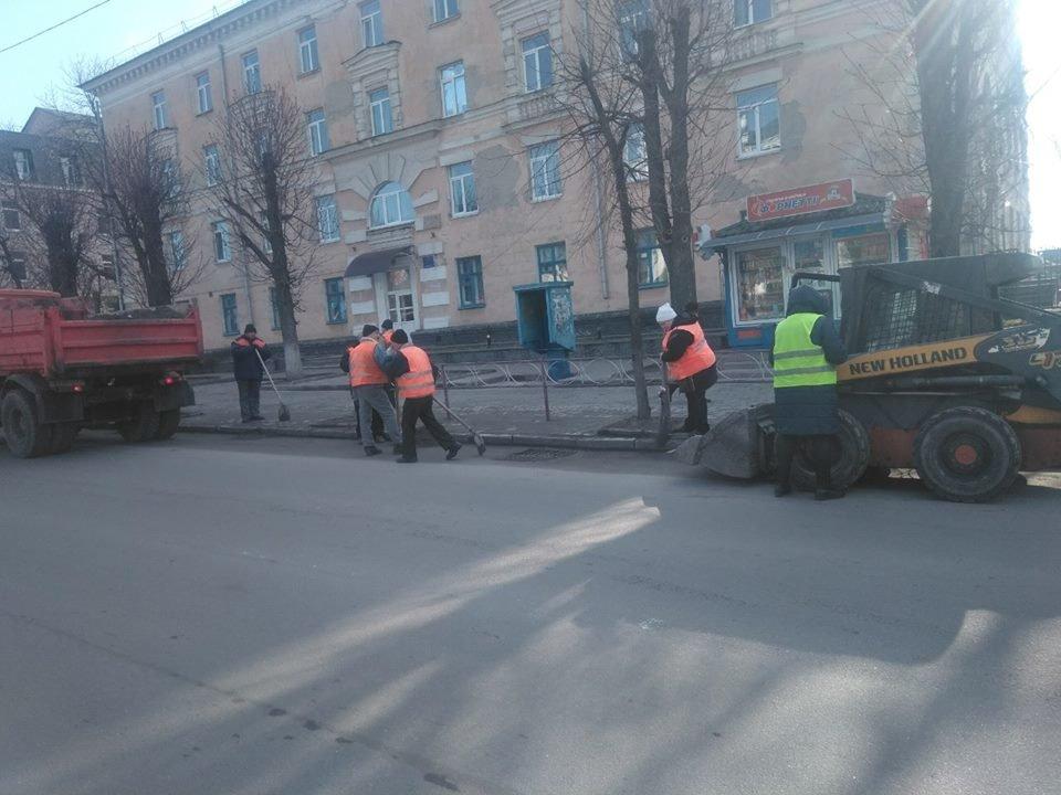 Білоцерківські комунальники розпочали генеральне прибирання міста, фото-4
