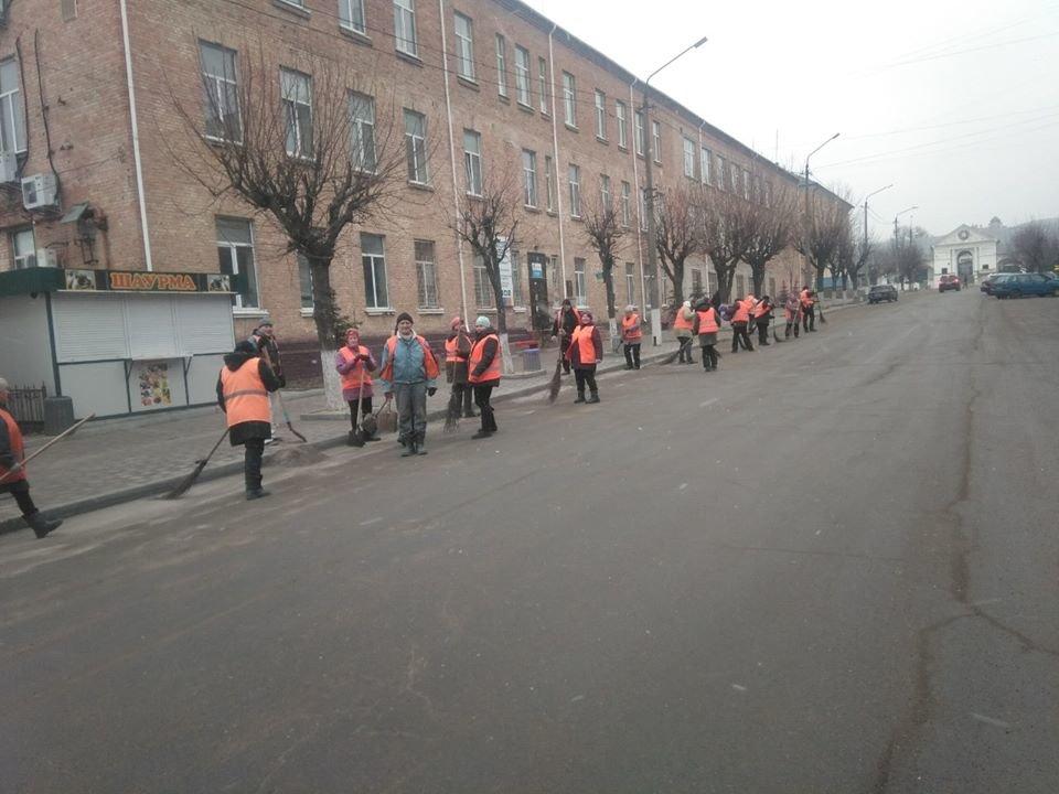 Білоцерківські комунальники розпочали генеральне прибирання міста, фото-1