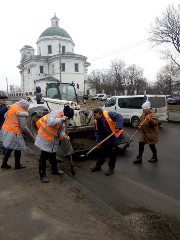 Білоцерківські комунальники розпочали генеральне прибирання міста, фото-8