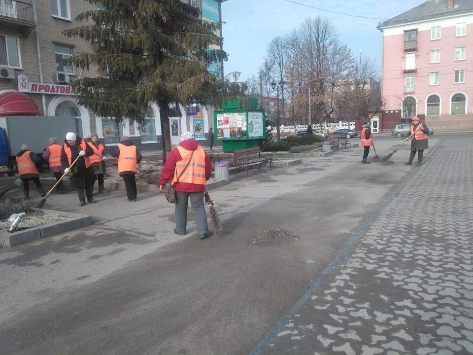 Білоцерківські комунальники розпочали генеральне прибирання міста, фото-2