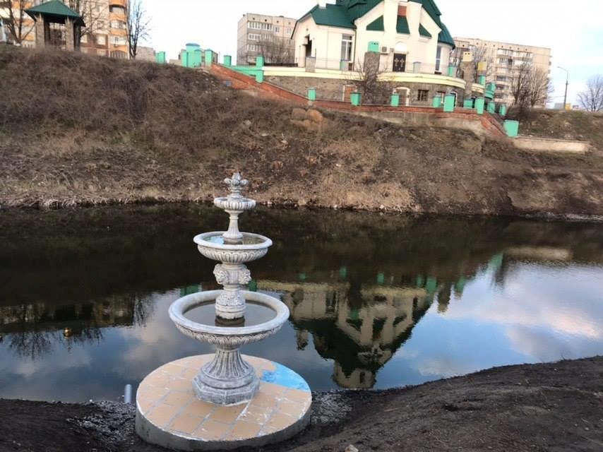 Розчищення обвідного каналу та озера біля церкви Покрови Божої Матері: що вже зроблено, фото-1