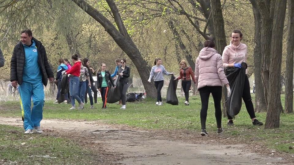 До Дня чистих берегів білоцерківці прибрали берег річки Рось, фото-6