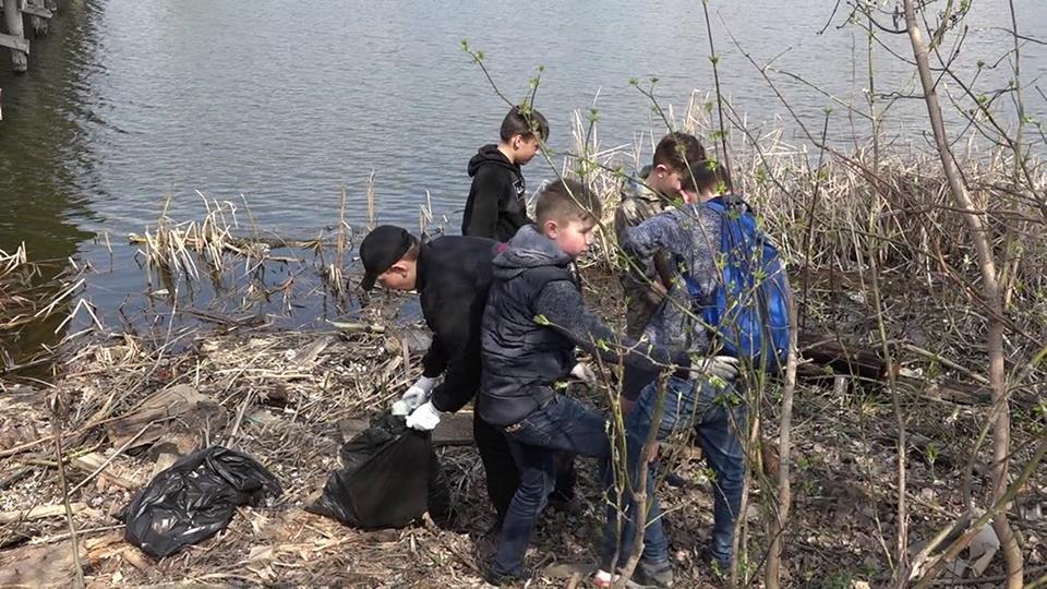 До Дня чистих берегів білоцерківці прибрали берег річки Рось, фото-5