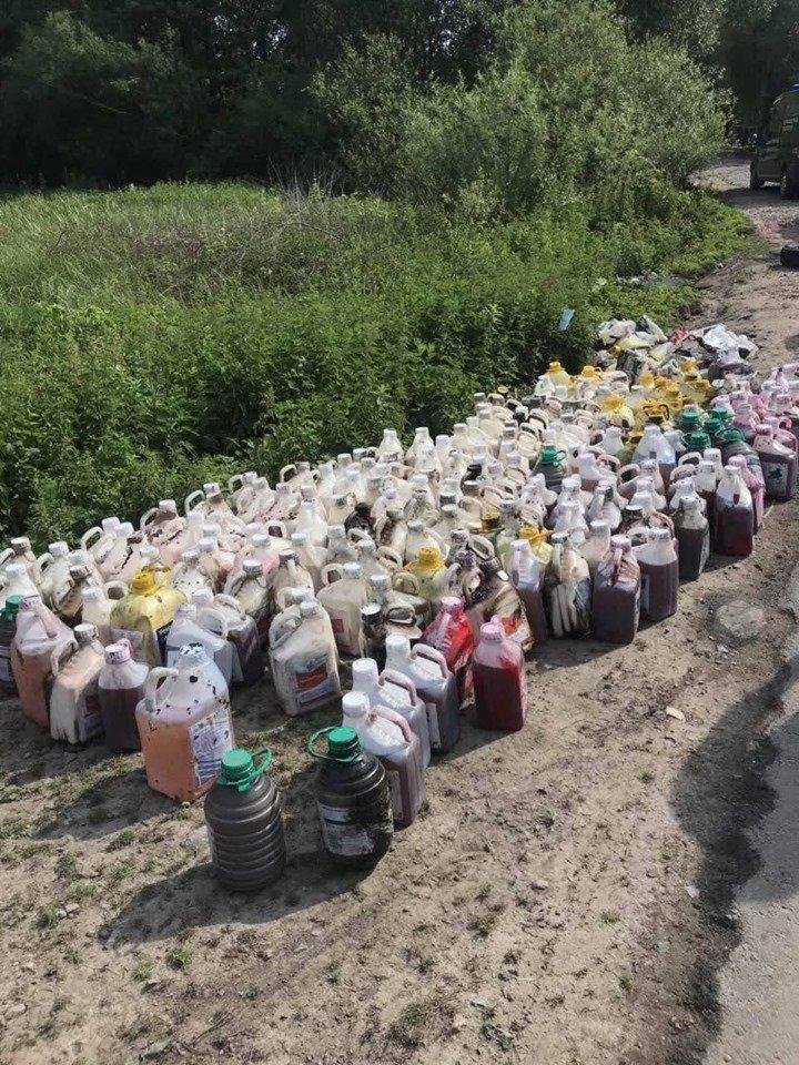 Екологічна катастрофа в річці Рось: гербіциди та стимулятори росту, що розлилися були викрадені, фото-1
