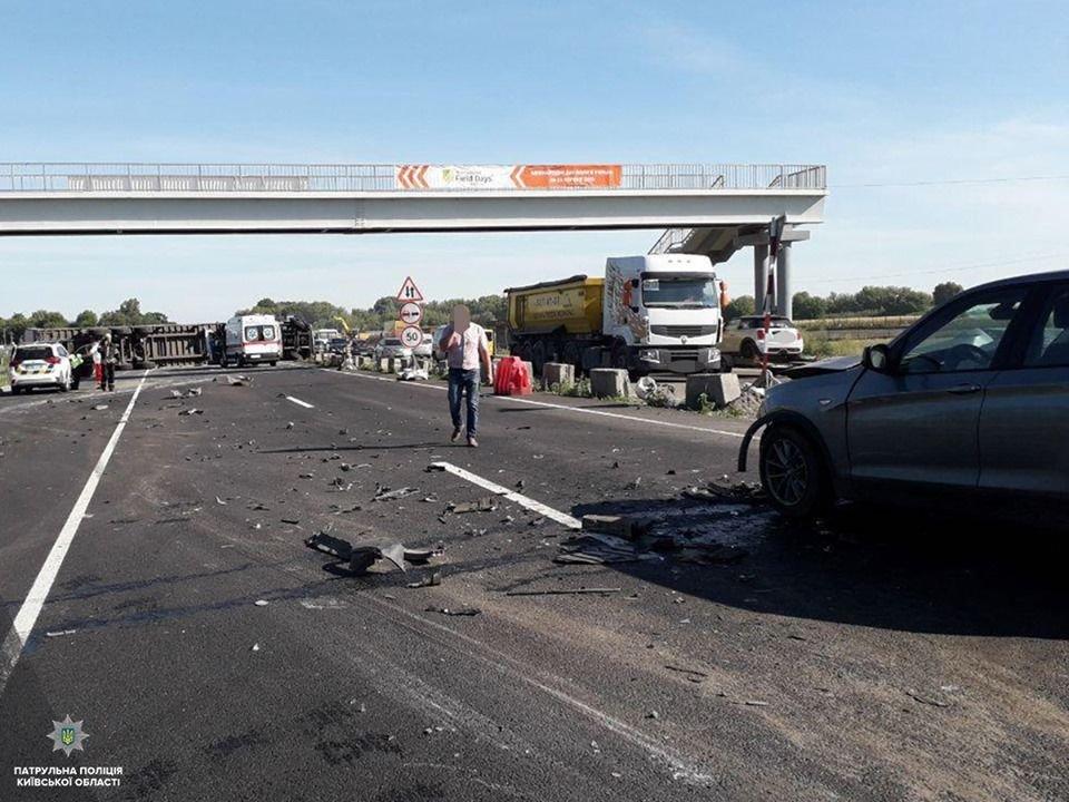 ДТП на трасі Київ-Одеса: перекинулася фура, затори розтягнулись на 4 кілометри , фото-4