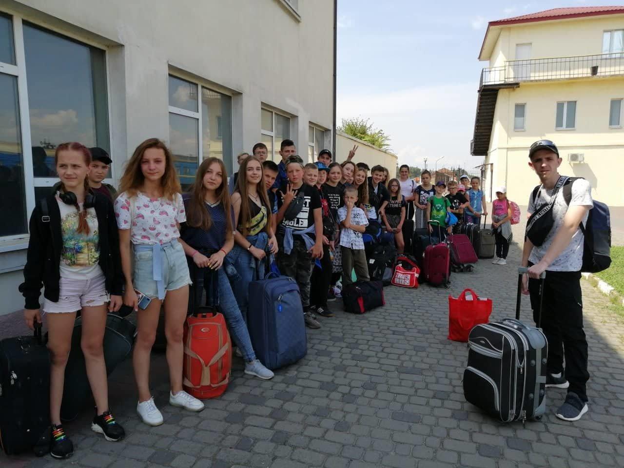 Діти учасників АТО з Білої Церкви поїхали на відпочинок до Лазурного, фото-1