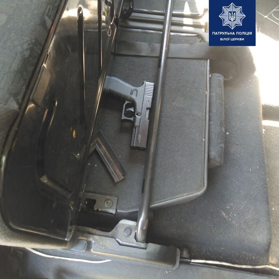 Вчора Білоцерківськими патрульними було затримано осіб, ймовірно, причетних до розбійного нападу, фото-3