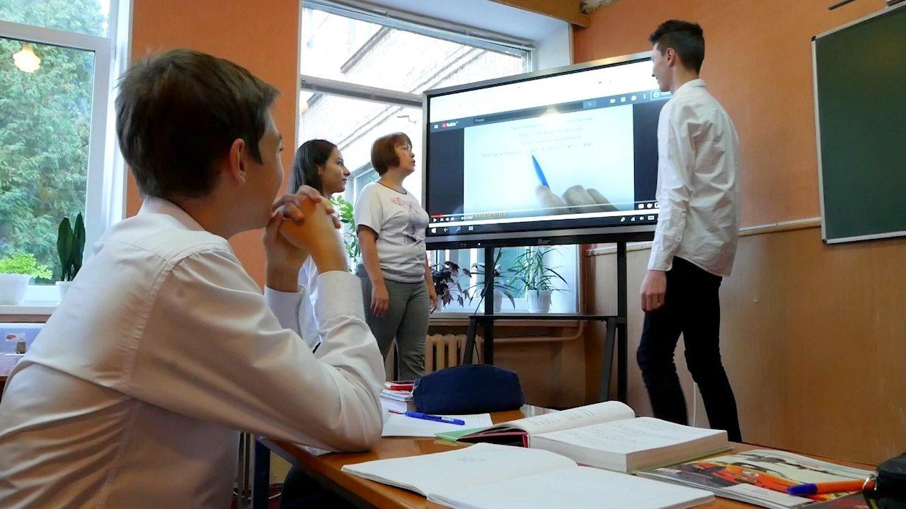 5 білоцерківських шкіл отримали сучасні інтерактивні панелі, фото-8