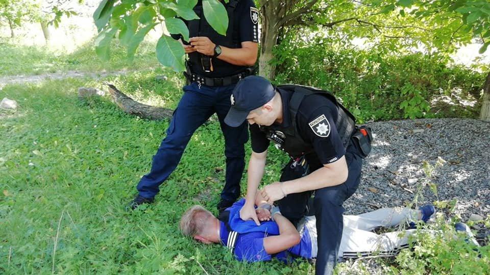 У Білій Церкві четверо молодиків побили і пограбували 40-річного чоловіка: поліція розшукує свідків , фото-2