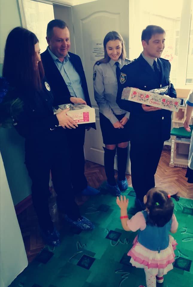 Білоцерківські поліціянти подарували свято дітлахам дитячого будинку «Малюк»., фото-13