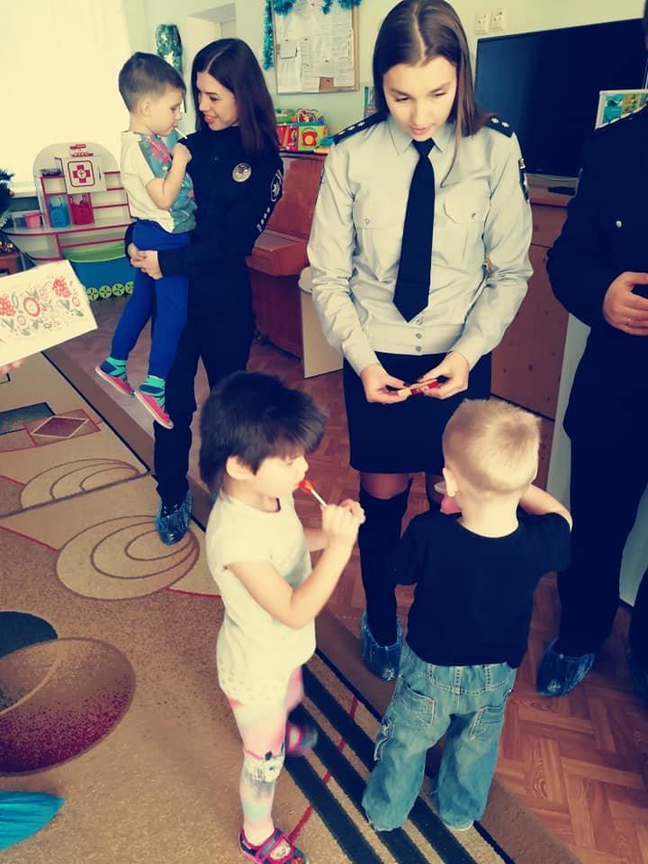 Білоцерківські поліціянти подарували свято дітлахам дитячого будинку «Малюк»., фото-12