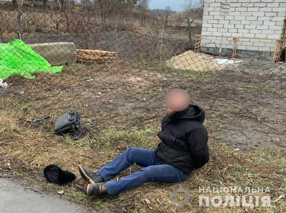 Білоцерківські патрульні затримали чоловіка який погрожував зброєю, фото-2