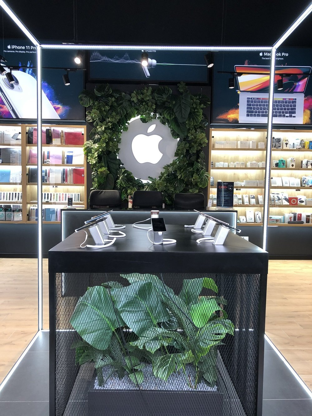 iPhone SE 2020 – найдешевший смартфон Apple вже в Apple Room, фото-6