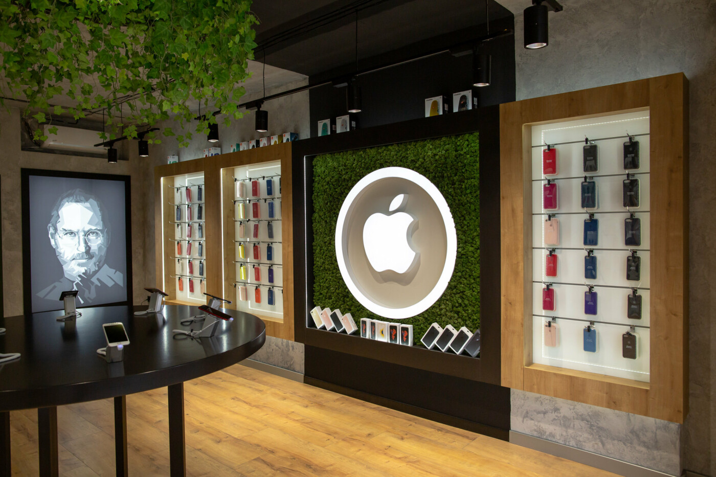 iPhone SE 2020 – найдешевший смартфон Apple вже в Apple Room, фото-1